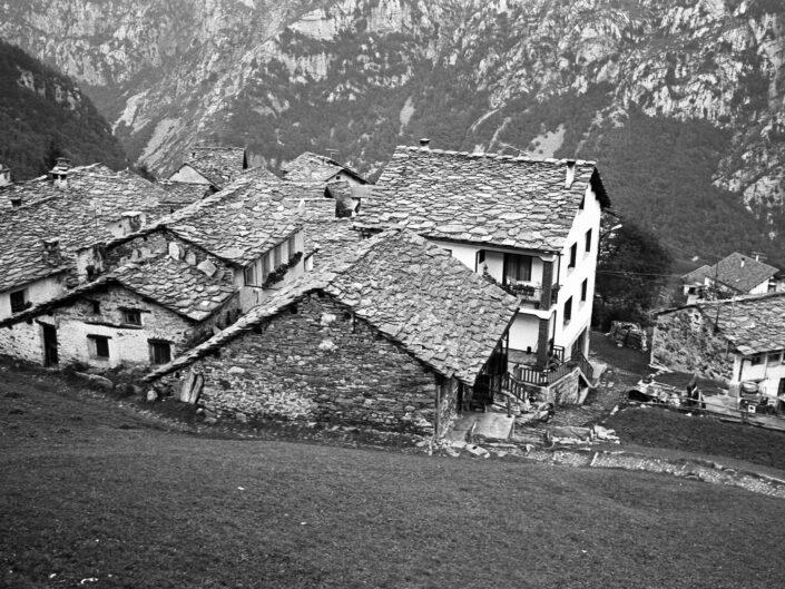 Fondo Carlo Tancredi Olmo Valle del Drogo SO 1981 18 scaled