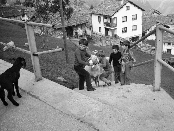 Fondo Carlo Tancredi Olmo Valle del Drogo SO 1981 24 scaled