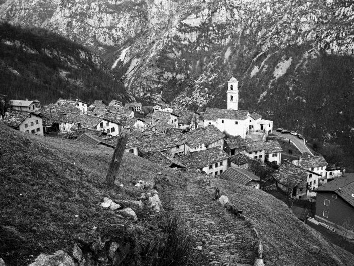 Fondo Carlo Tancredi Olmo Valle del Drogo SO 1981 29 scaled