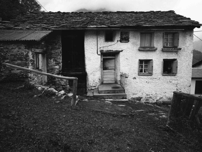 Fondo Carlo Tancredi Olmo Valle del Drogo SO 1981 5 scaled