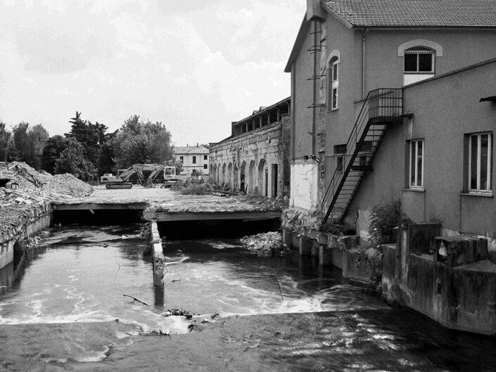 Fondo Claudio Argentiero Castellanza abbattimento ex Ditta Cantoni lungo il fiume Olona 1997