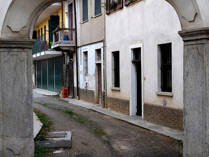 Fondo Claudio Argentiero Castellanza cortile in via Roma 2015 1