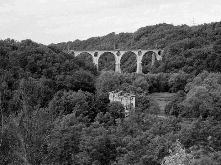 Fondo Claudio Argentiero Malnate paesaggio sulla valle 1996 1