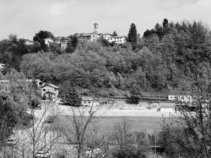 Fondo Claudio Argentiero Varese veduta della Valle Olona a nord da via Vanetti 1997