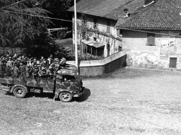 Fondo Giangiacomo Salsa Castellanza 25 aprile 1945 1 scaled