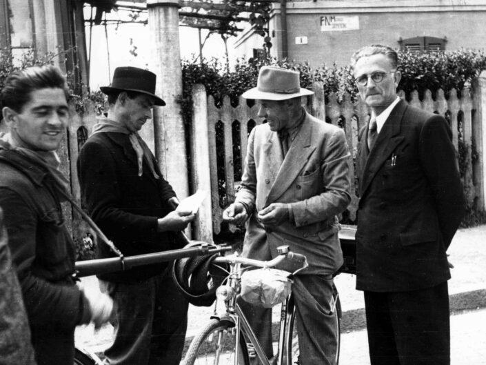 Fondo Giangiacomo Salsa Castellanza 25 aprile 1945 2 scaled