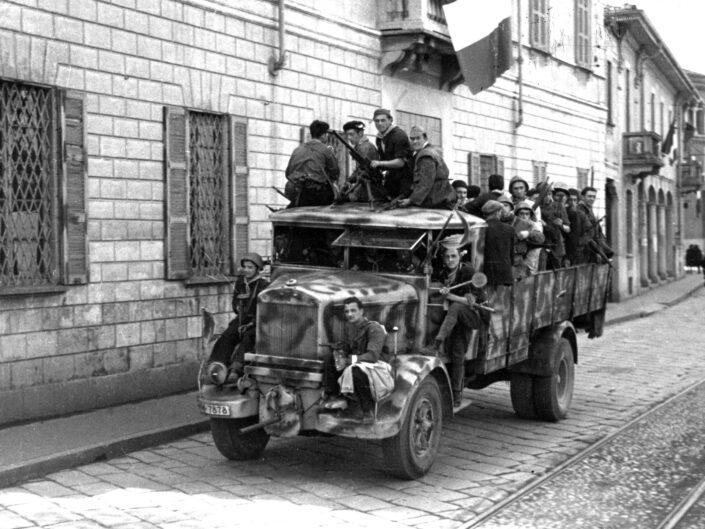 Fondo Giangiacomo Salsa Castellanza 25 aprile 1945 4 scaled