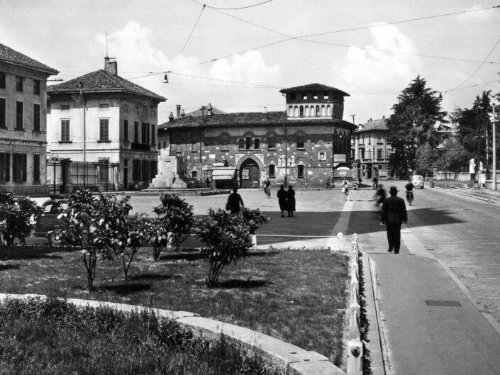Fondo Giangiacomo Salsa Castellanza Piazzale della Liberta Castello scaled