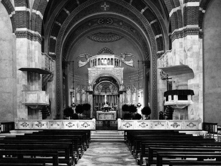 Fondo Giangiacomo Salsa Castellanza interno Chiesa di San Giulio scaled