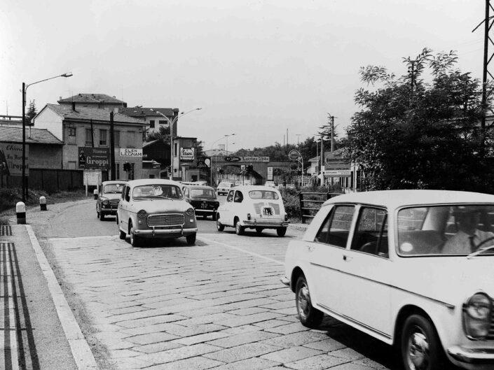 Fondo Giangiacomo Salsa Castellanza traffico cittadino anni 50 1 scaled