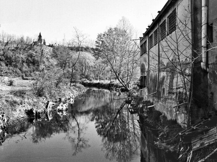 Fondo Roberto Bosio Fagnano OlonaIl fiume Olona in localita Castellazzo 1997 scaled