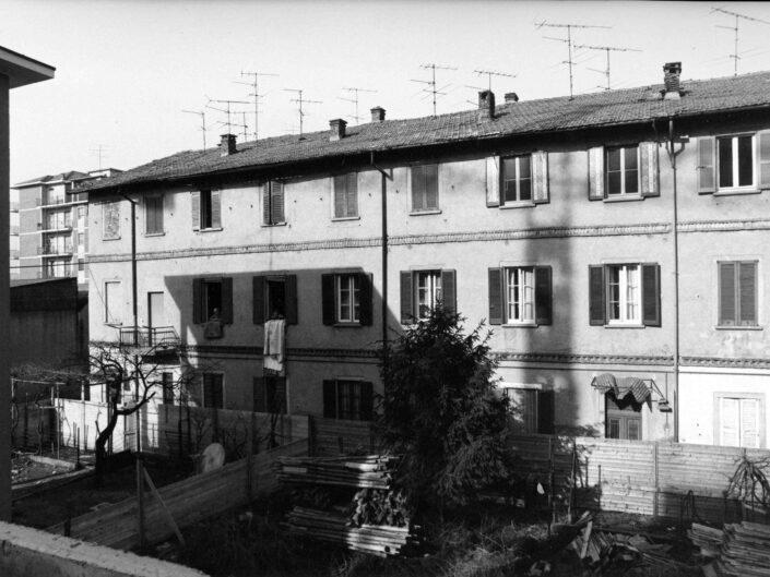 Fondo Archivio Storico Castellanza Cascina in via Col di Lana 1977 3 scaled