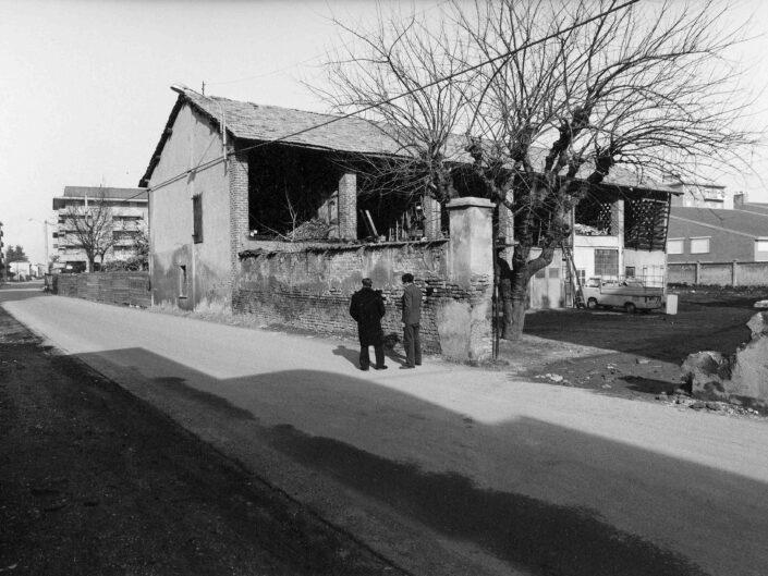 Fondo Archivio Storico Castellanza Cascina in via Col di Lana 1977 4 scaled