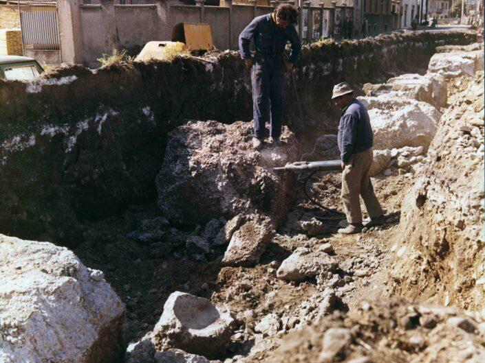Fondo Archivio Storico Castellanza via Piave lavori di rimozione binario inutilizzato per allargamento strada scaled