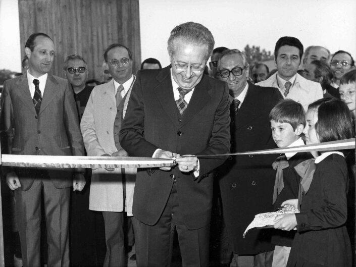 Fondo Archivio Storixo Castellanza Inaugurazione nuove Scuole elementari 3 scaled