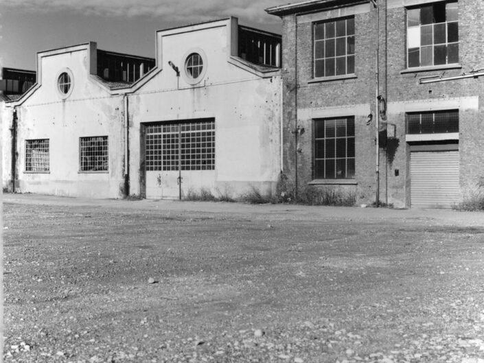 Fondo Claudio Argentiero Edifici di Archeologia Industriale ex ditta Cantoni da via Don G.Bettinelli 1995