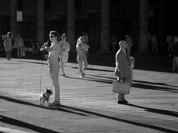 Fondo Claudio Argentiero Milano People piazza Duomo 2016 scaled