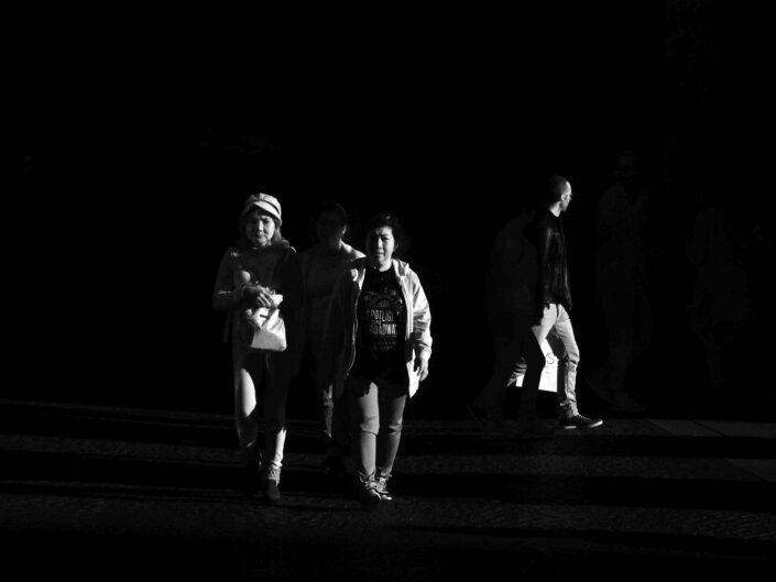 Fondo Claudio Argentiero Milano People via Dante 2017 5 scaled