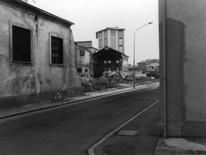 Fondo Claudio Argentiero demolizione ex ditta Pomini da via Brambilla 1997