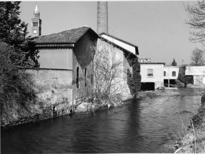 Fondo Claudio Argentiero il fiume Olona campanile e ciminiera da Piazza Soldini 1997 2