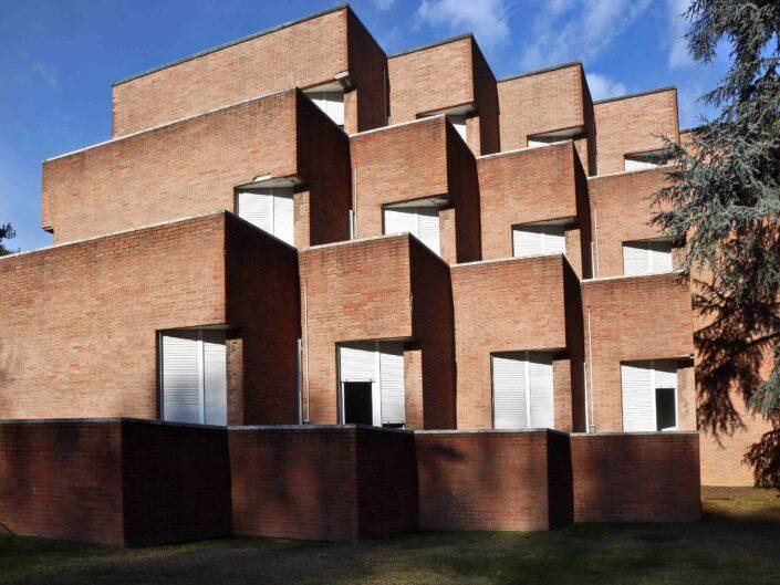 Fondo Giuliano Leone Milano architettureo in via Bardolino 2018 scaled