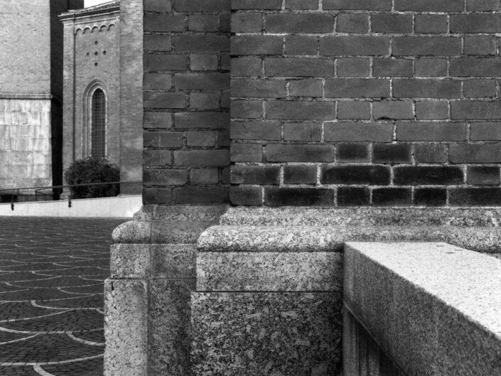 Fondo Roberto Bosio Castellanza Piazza Paolo VI Particolare della Chiesa di san Giulio 1997