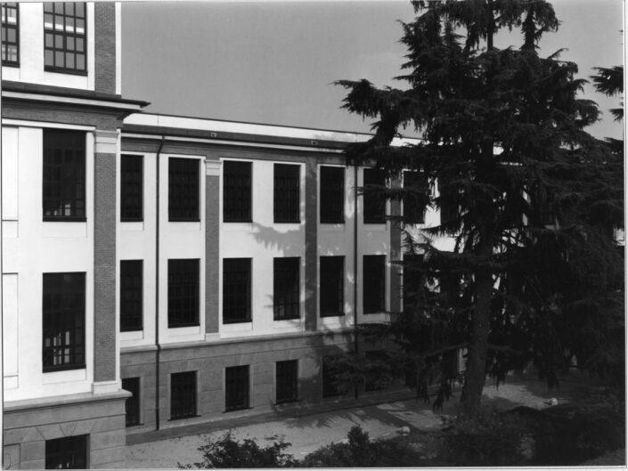 Fondo Roberto Bosio Castellanza ex edificio Ditta cantoni oggi LIUC da via Matteotti 1997