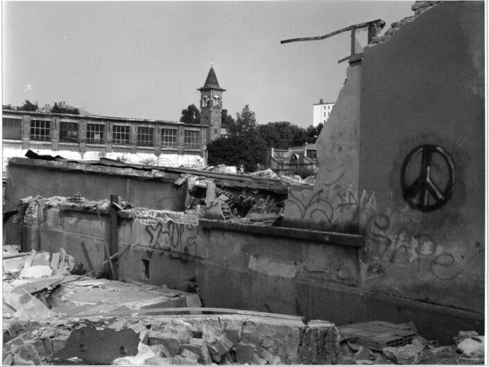 Fondo Roberto Bosio castellanza veduta da via Giacomo Binda demolizione ex ditta Cantoni 1997