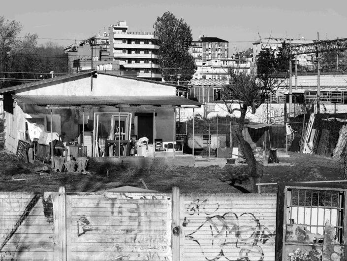 Fondo Virgilio Carnisio Milano Alzaia Naviglio Grande dal ponte di piazza Negrelli 2016 scaled