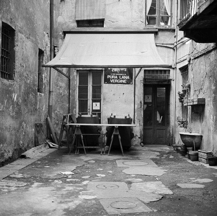 Fondo Virgilio Carnisio Milano corso di Porta Ticinese 58 1969