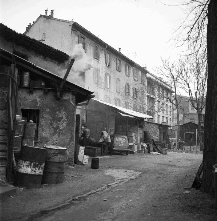 Fondo Virgilio Carnisio Milano via Argelati 1968 scaled