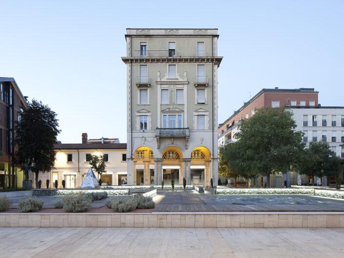 Fondo Roberto Venegoni - Legnano - Palazzo banca - 2016
