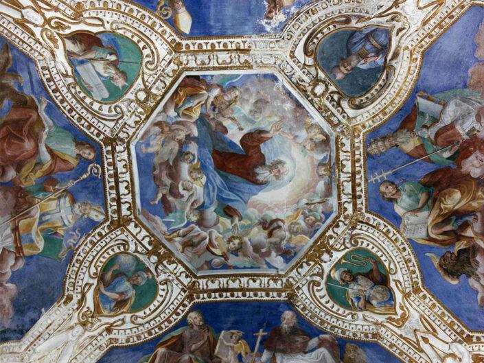 Fondo Afi - Leggiuno - Eremo di santa Caterina del Sasso (Sec. XIV) - Affresco della volta sopra l'altare - Foto Franco Rinaldin - 1990