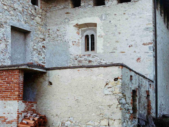 Fondo Afi - Mombello - Chiesetta romanica di Santa Maria di Corte (Sec. XI) - Foto Franco Rinaldin - 1990