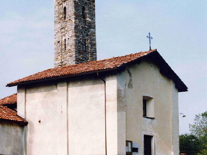Fondo Afi -Cadegliano Viconago - Frazione Avigno - Chiesa di san Fedele e Beata Vergine del Carmine (Sec. XII) - Foto Franco Rinaldin - 1990
