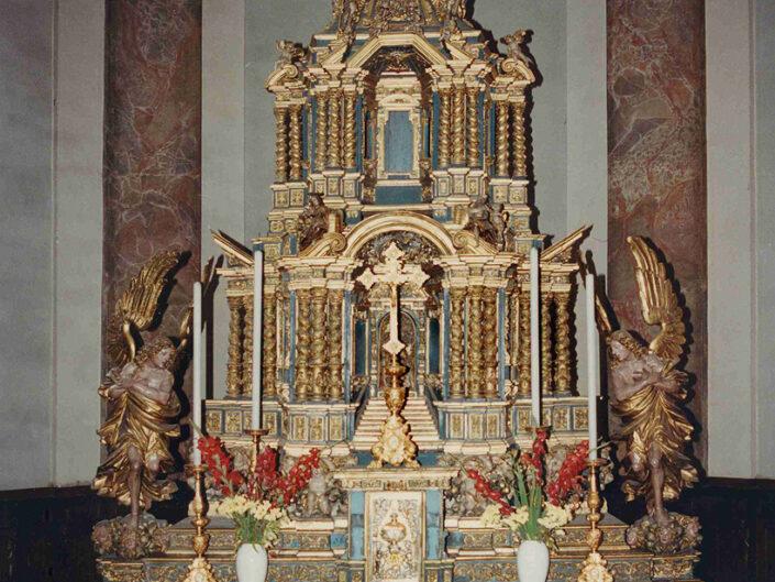 Fondo Afi - Casorate Sempione - Chiesa di santa Maria Assunta (1637) - Altare maggiore- Foto Claudio Argentiero - 1990
