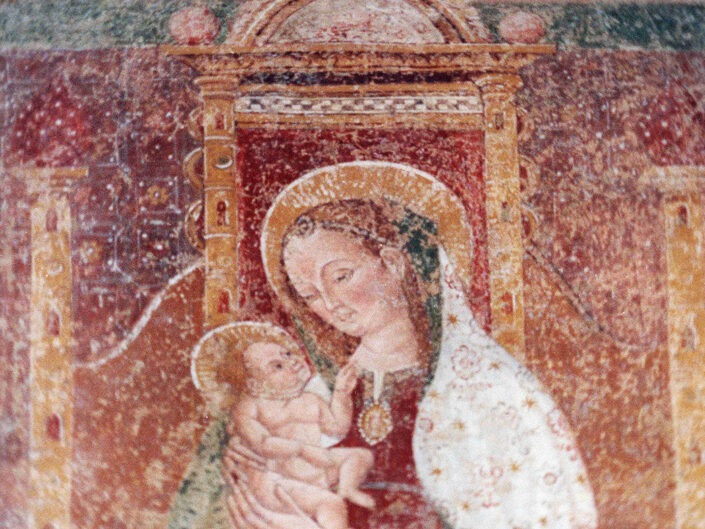 Fondo Afi - Brunello - Chiesa di Santa Maria (1440) - Affresco : La Vergine in trono con Bambino - Foto Daniele Zuliani - 1990