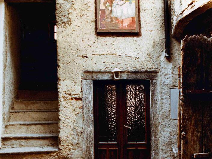 Fondo Afi - Arcumeggia - Tipico cortile - Foto Daniele Zuliani - 1990