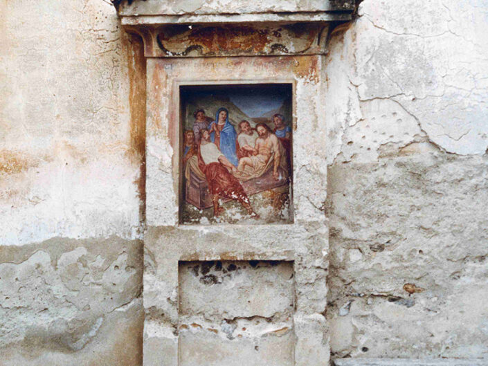 Fondo Afi - Azzio - Chiesa Monastero- Particolare della via Crucis - Foto Franco Rinaldin - 1990
