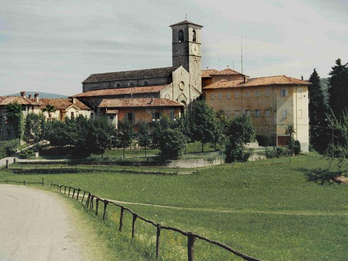 Fondo Afi - Bedero Valtravaglia - Canonica di San Vittore - Foto Franco Rinaldin - 1990