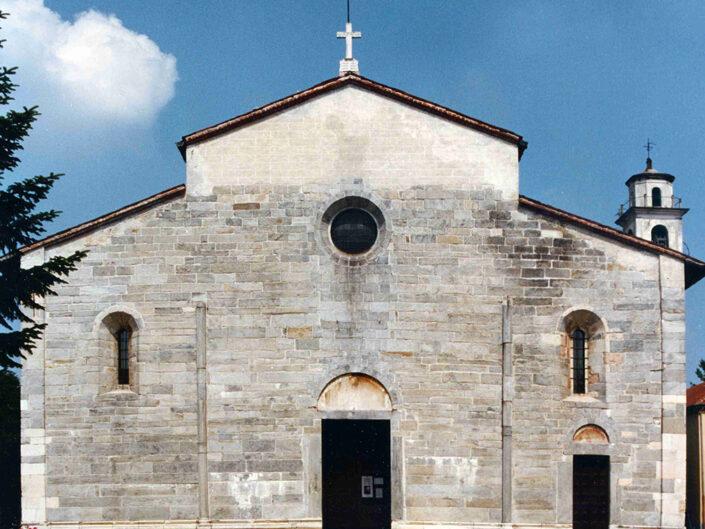 Fondo Afi - Brebbia - Chiesa dei Santi Pietro e Paolo -Edifico romanico (Sec. XI) - Foto Franco Rinaldin - 1990 romanico sec XI Foto Franco Rinaldin 1990