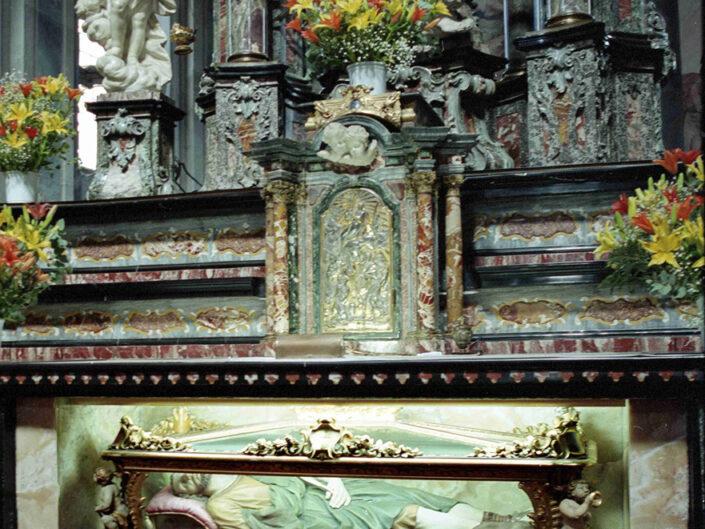 Fondo Afi - Busto Arsizio - Basilica di San Giovanni Battista - Interno - Foto Claudio Argentiero - 2001