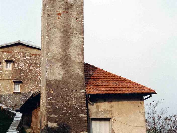 Fondo Afi - Cittiglio - Chiesetta romanica di San Biagio ( Sec. XI) - Foto Franco Rinaldin - 1991