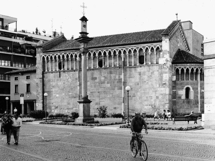Fondo Afi - Gallarate - Chiesa di San Pietro - Foto Claudio Argentiero - 1998