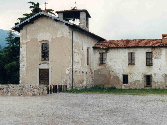 Fondo Afi - Gavirate - Voltorre - Chiesa di San Michele annessa al Chiostro - Foto Daniele Zuliani - 1991
