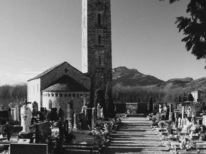 Fondo Afi - Porto Valtravaglia - Frazione Ligurno - Chiesa di Santa Maria di campagna - Torre romanica - Foto Daniele Zuliani - 1990