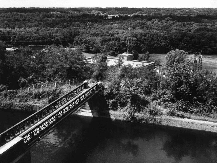 Fondo Afi - Lonate Pozzolo - Localita Tornavento - Veduta sul ponte e il canale - Foto Claudio Argentiero - 2005