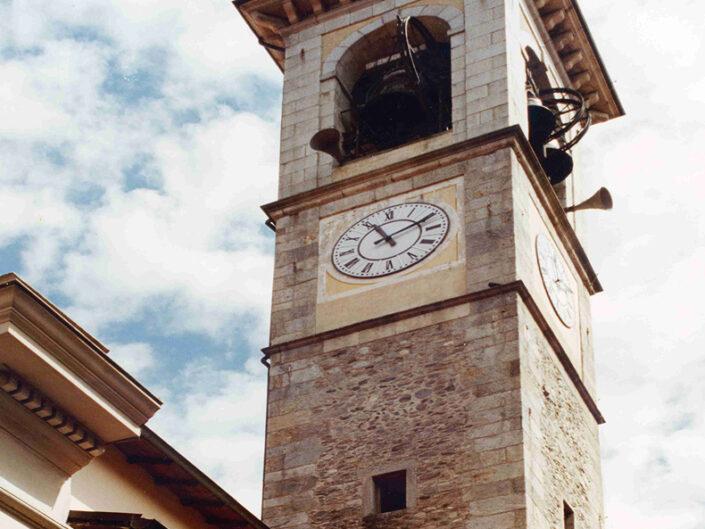 Fondo Afi - Luino - Chiesa dei santi Pietro e Paolo (Sec. XVI) - Torre campanaria - Foto Saverio Fantacuzzi