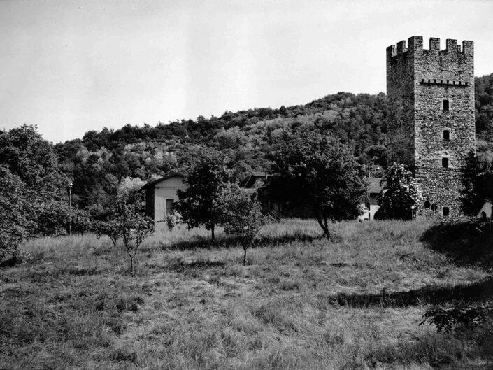 Fondo Afi - Mesenzana - Torre medioevale (Sec. XII) - Foto Roberto Bosio - 1993