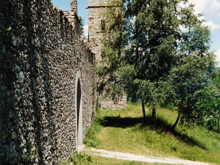 Fondo Afi - Orino - La Rocca (Sec. XV) - Foto Franco Rinaldin - 1991